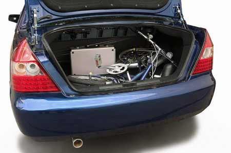 避免了采用普通传感器车辆有碰撞盲区的致命缺陷