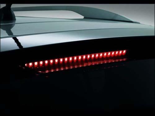 汽车高位制动灯高清图片